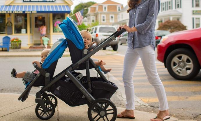 Удобные  в эксплуатации детские коляски